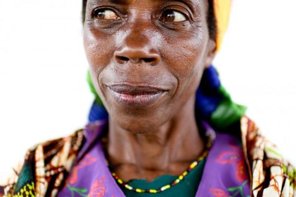 Burundi Coffee Farmer: Espéciose Manirakiza