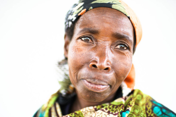 Elizabeth: Burundian Coffee Farmer